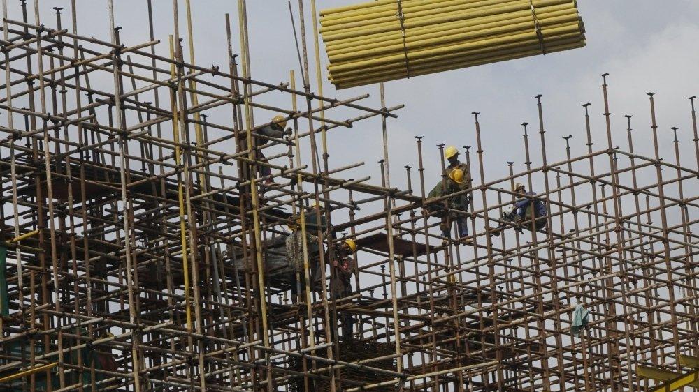 La construction a dû complètement suspendre ses activités pendant près d'un mois au printemps.