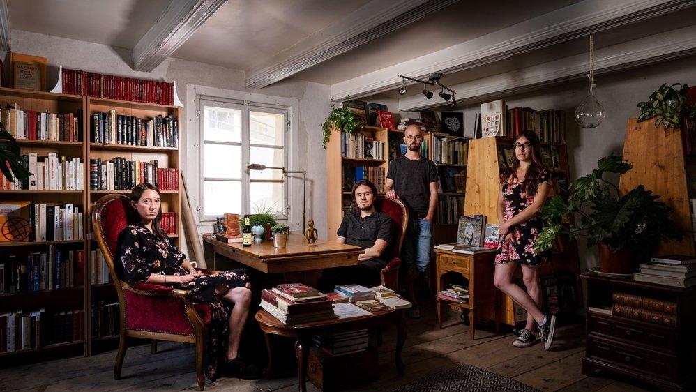 Tess Payot, Jordi Gabioud et Basile Seppey, Eva Ciocca (de gauche à droite) ont créé un centre où il fait bon rêver, s'évader, s'émouvoir, se questionner.