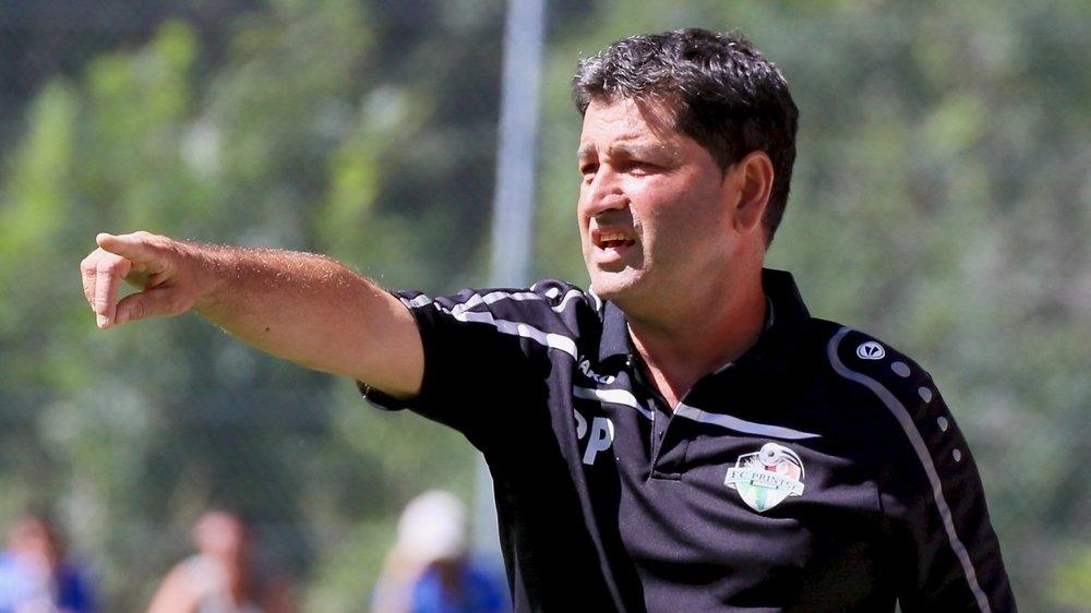 Filippo Petrella donne la voie à suivre aux joueurs du FC Printze Nendaz.