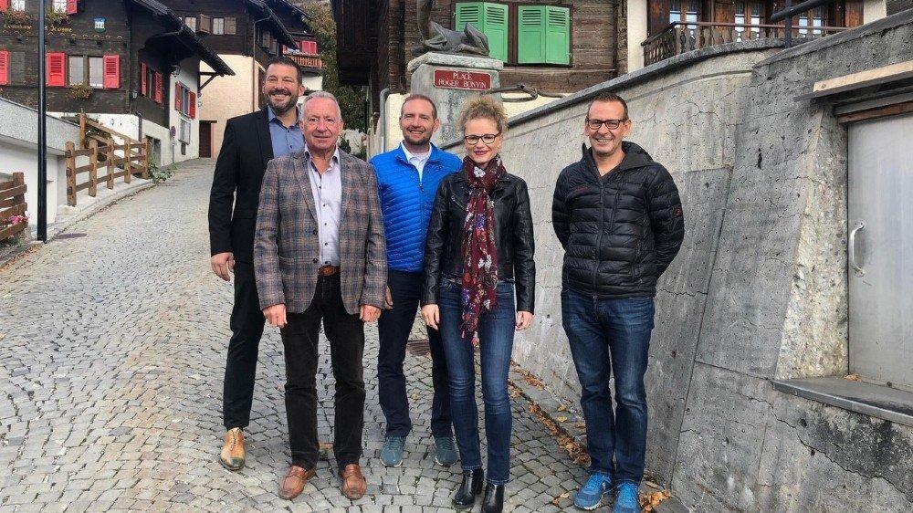 Martial Kamerzin, Olivier Duchoud, Nathalie von Dach, Sébastien Schornoz et Frédéric Délèze, forment le nouveau conseil communal d'Icogne.