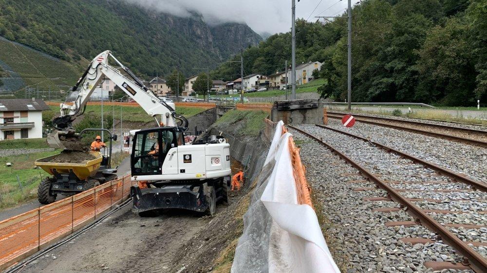 La dernière étape de la rénovation complète de la ligne du Saint-Bernard Express vient de débuter en amont de la gare de Bovernier.