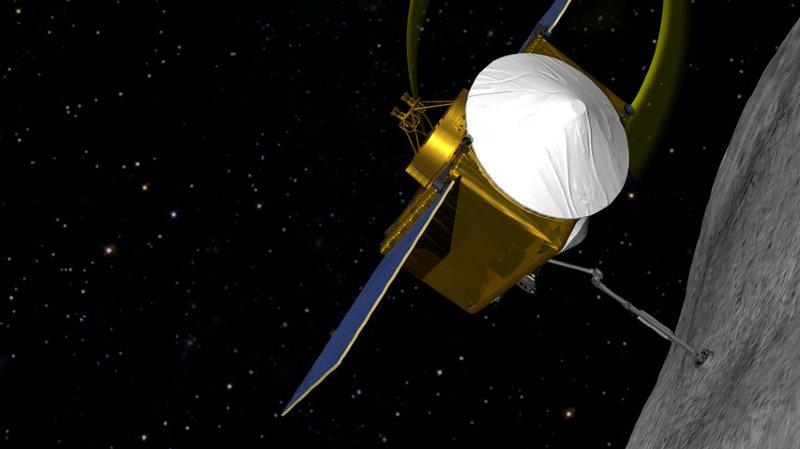 Une image offerte par la NASA de sa sonde OSIRIS-REx, qui a récolté des échantillons à la surface d'un astéroïde, Bennu, pour aider la science dans ses recherches sur la formation de l'univers.