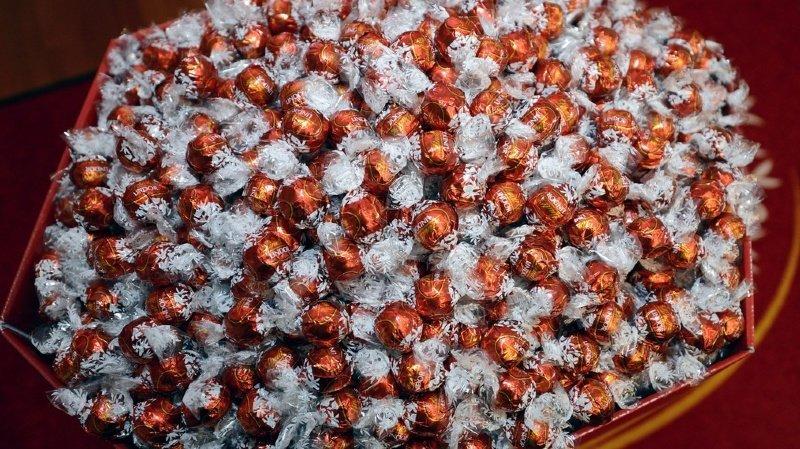 Les chocolats concernés sont les fameuses boules de la marque zurichoise.