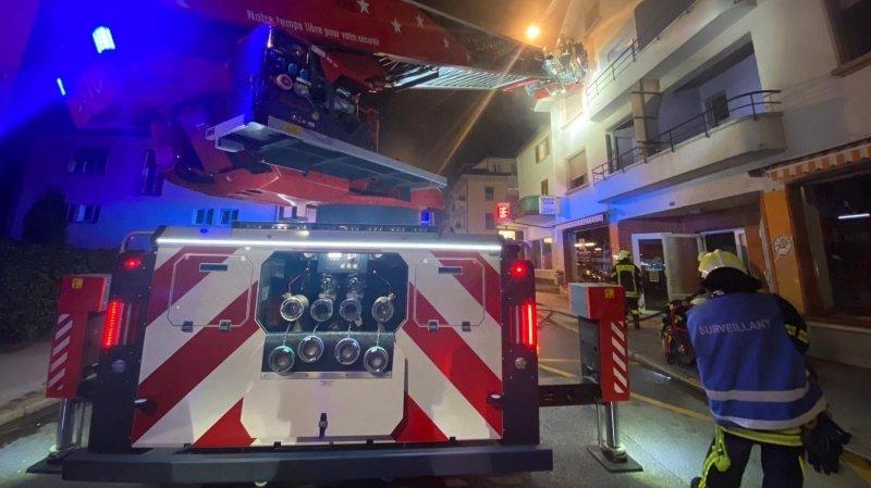 Les pompiers du CSI Région Sierre sont intervenus avec de gros moyens et ont rapidement maîtrisé le sinistre.