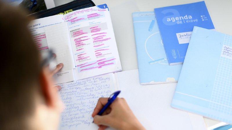 Une nouvelle étude norvégienne suggère que l'écriture à la main améliore la capacité des enfants à apprendre. (illustration)