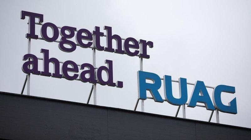Ruag indique que parmi les nombreux pays où le groupe est actif, la Suisse est la plus durement touchée, un plan social est prévu.