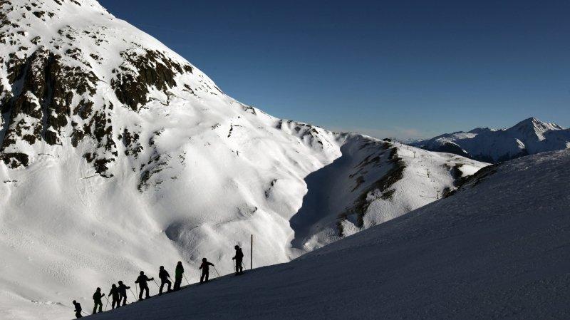 Saison de ski: une campagne publicitaire pour aider les stations