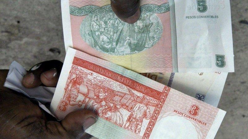 Cuba lâche le système à deux monnaies