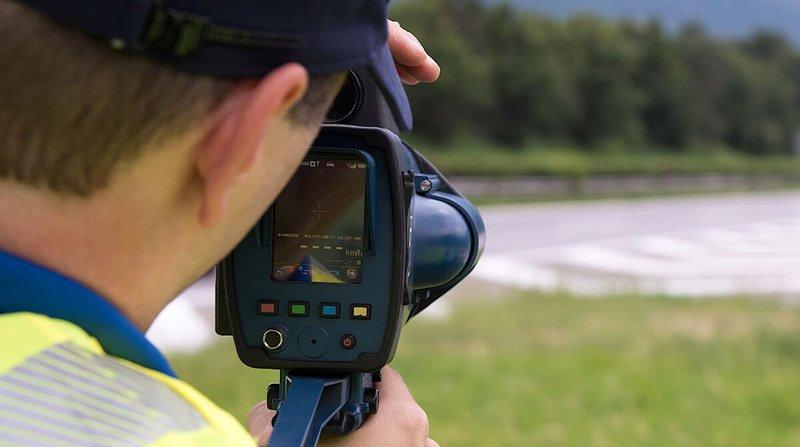 Valais: les polices communales peuvent poser des radars