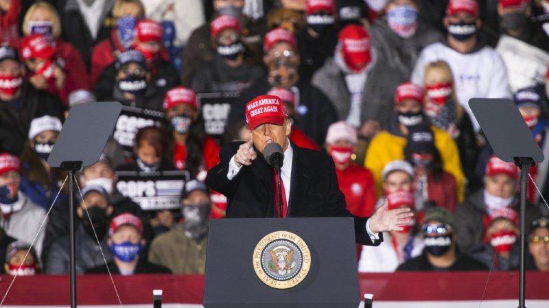 Présidentielle américaine: Donald Trump, en difficulté, poursuit sa campagne marathon