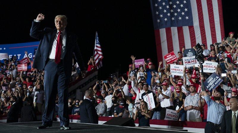 Présidentielle américaine: Trump retrouve les estrades de campagne «en pleine forme»