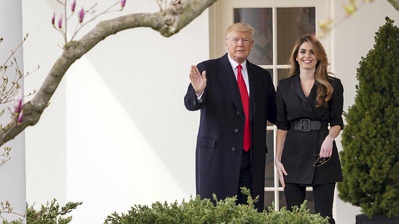 """Présidentielle américaine: testé positif au Covid-19, Trump présente des """"symptômes légers"""""""