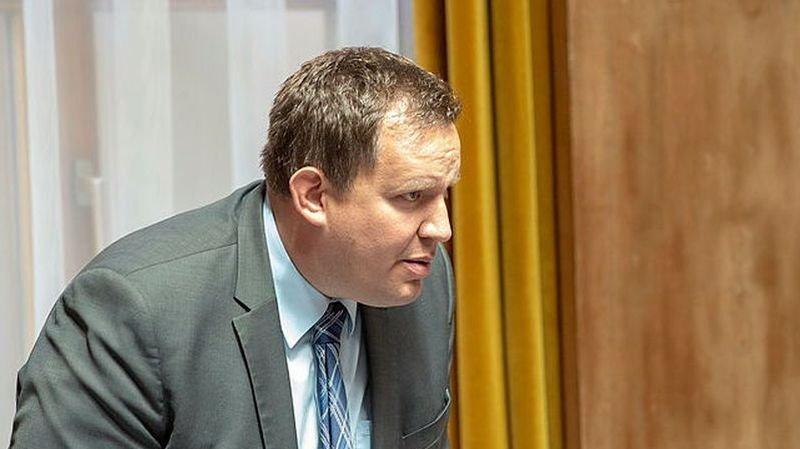 L'UDC et son président, Cyrille Fauchère, veulent un débat autour des mesures anti-coronavirus.
