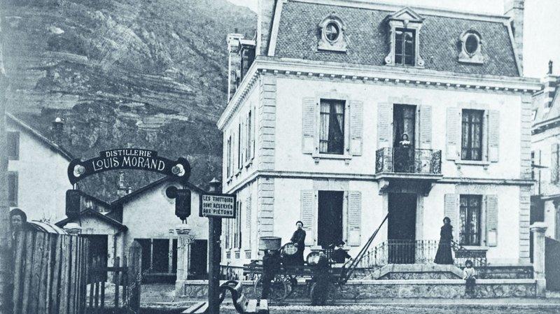 Une brochure résume les 130 ans d'histoire de la Distillerie Morand à Martigny