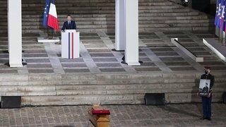 France: Macron rend hommage au «combat pour la liberté» de Samuel Paty
