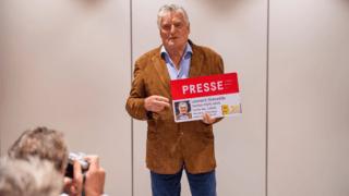 Journalisme: Léonard Gianadda reçoit enfin sa carte de presse