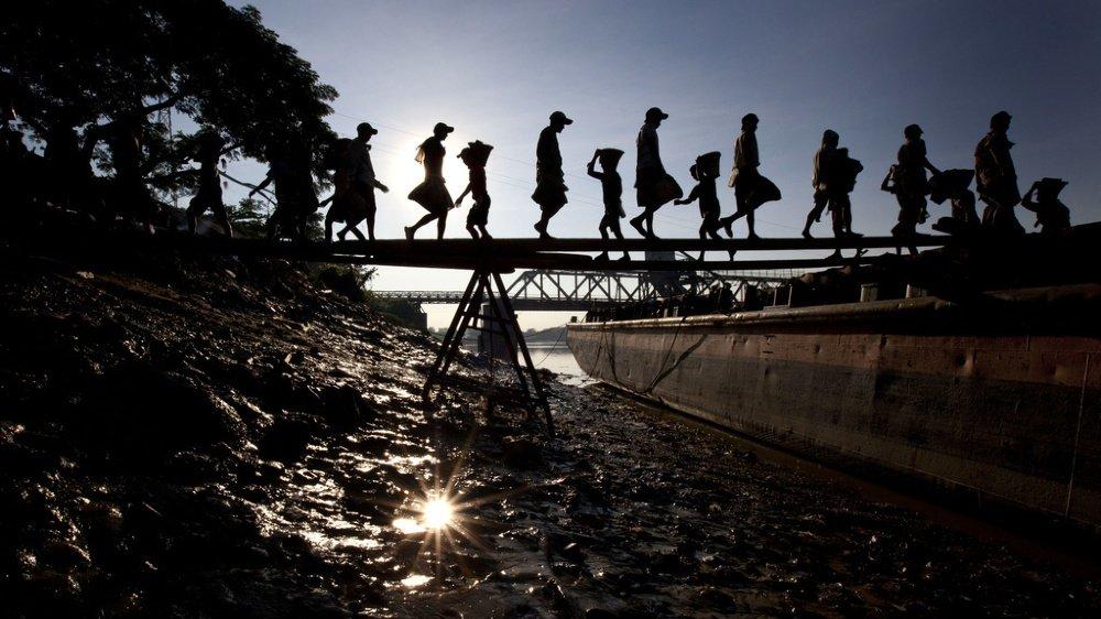 Un des buts de l'initiative est de renforcer le droit international, comme la protection des enfants, dont certains travaillent toujours, comme ici à Yangon, en Birmanie, en 2012.