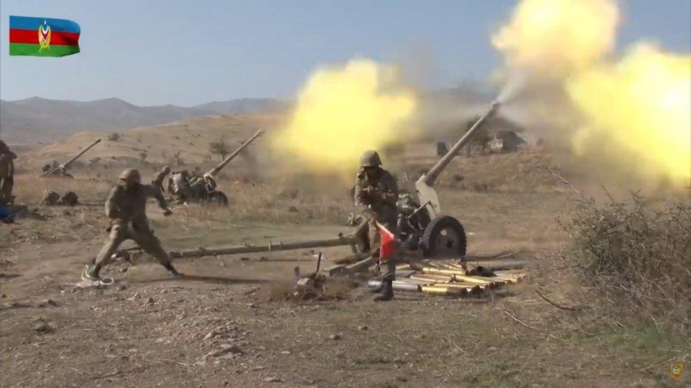 Image diffusée le 20 octobre par le ministère azerbaïdjanais de la Défense montrant leurs forces lors de frappes dans le Haut-Karabakh.
