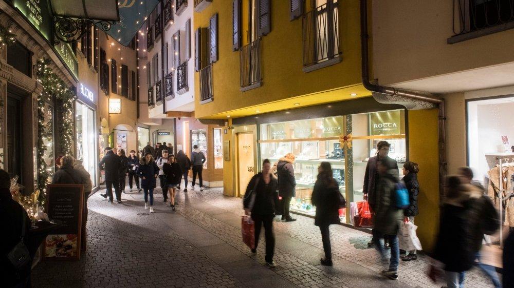 Le Tessin (ici Lugano) est un centre de mode très important en Suisse.