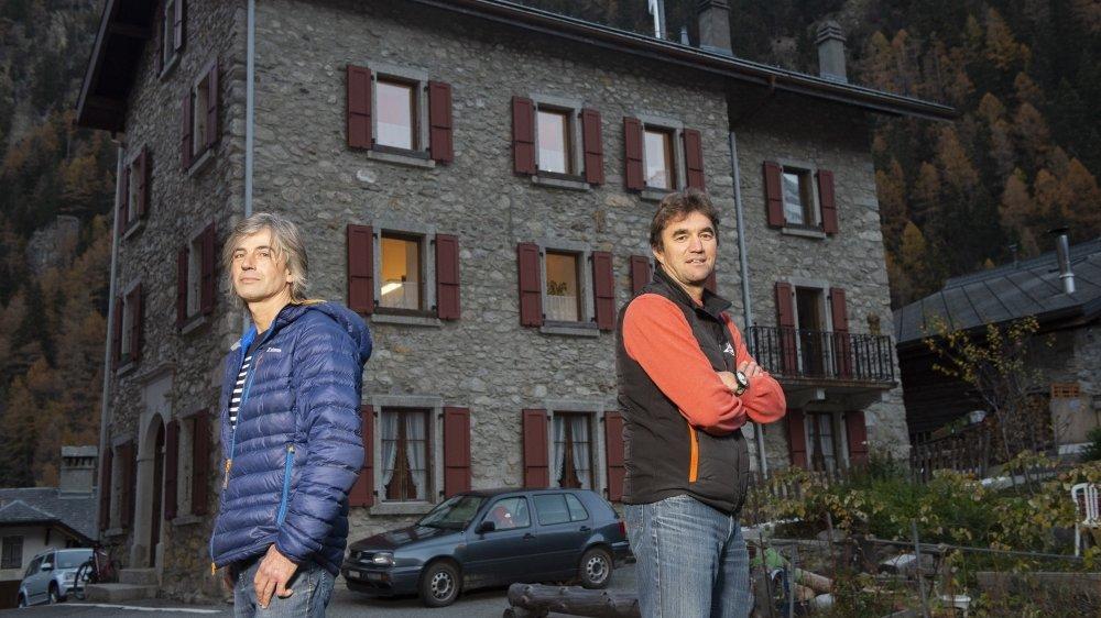 Olivier Couach (à gauche) et le président sortant Bertrand Savioz briguent la présidence de Trient.