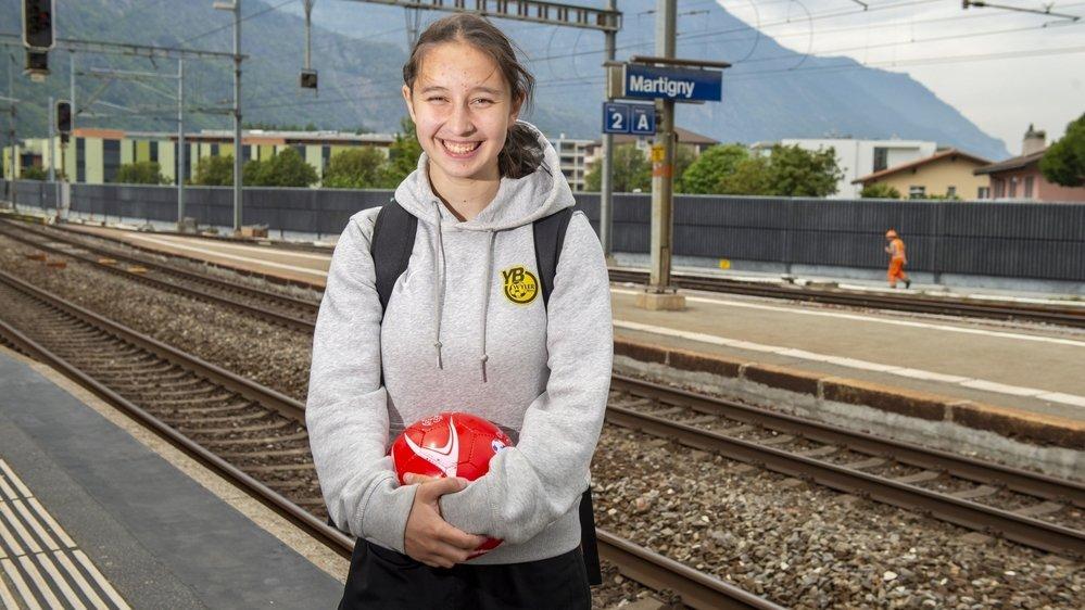 Malaurie Granges se déplace plusieurs fois par semaine à Berne pour les entraînements et pour les matchs de l'équipe féminine des moins de 19 ans des Young Boys.