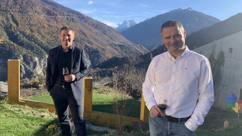 Danny Defago (à droite) et Sébastien Menoud seront, comme aujourd'hui, président et vice-président de la commune de Vex.