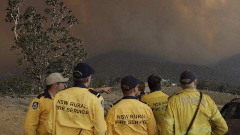Ce sont des millions d'hectares qui sont partis en fumée en Australie. Le gouvernement estime pourtant que cela n'est pas dû au réchauffement climatique, une thèse contredite par le rapport publié par l'agence scientifique nationale d'Australie.