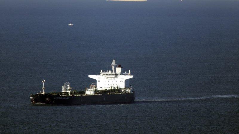 Sept suspects arrêtés sur un pétrolier — Angleterre