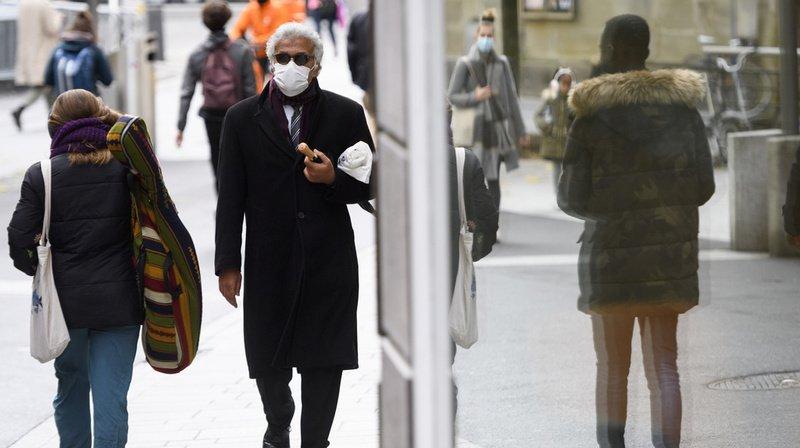 Le masque est obligatoire partout où la concentration de personnes ne permet pas de respecter les distances.