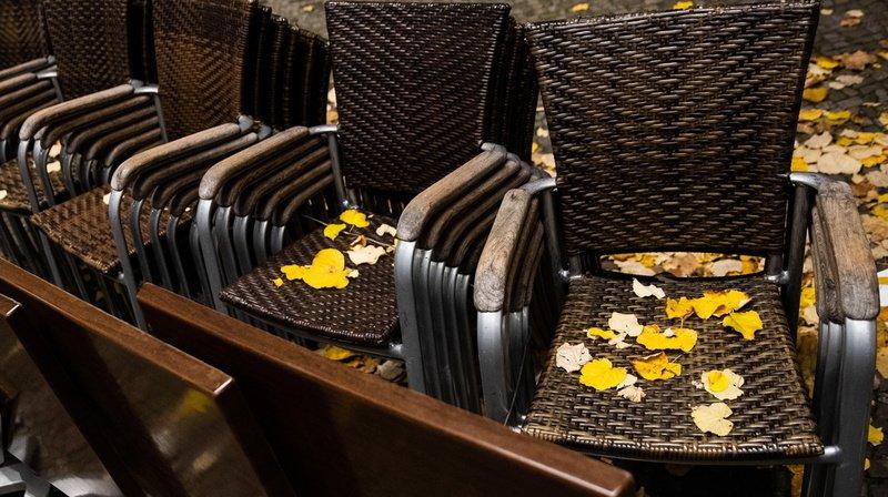 Les cafetiers et restaurateurs valaisans devront patienter jusqu'au 14 décembre au minimum avant de rouvrir.