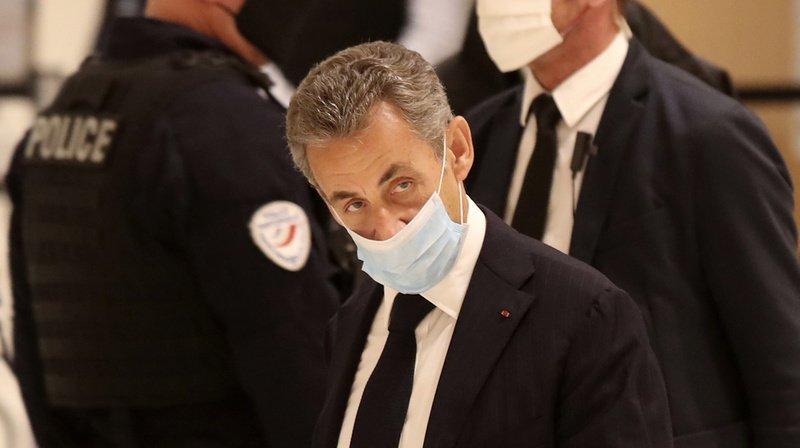 """France - Affaire des """"écoutes"""": l'ex-président Nicolas Sarkozy jugé pour corruption, une première"""