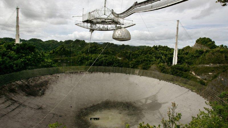 Astronomie: le célèbre télescope géant d'Arecibo va être démoli