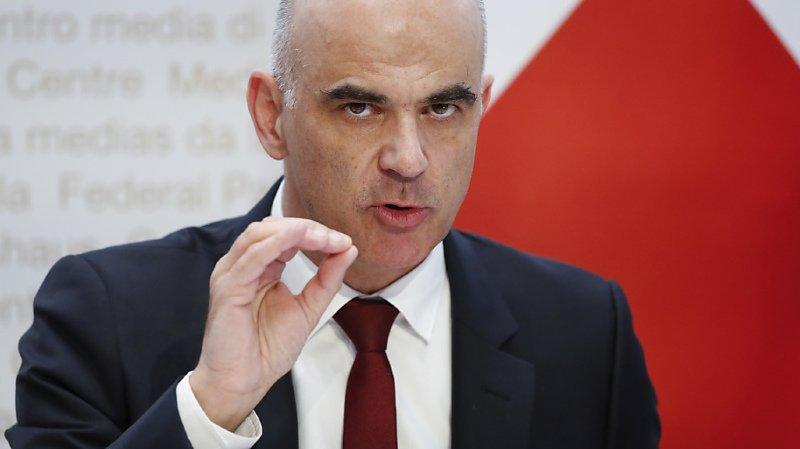 Le ministre de la santé Alain Berset rejette la critique selon laquelle le Conseil fédéral aurait agi trop tardivement (archives).