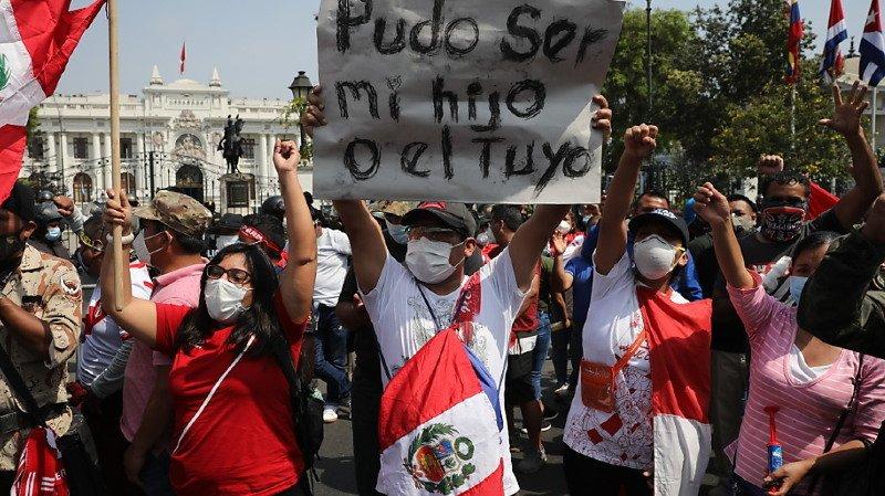 Démission du président par intérim Manuel Merino — Pérou
