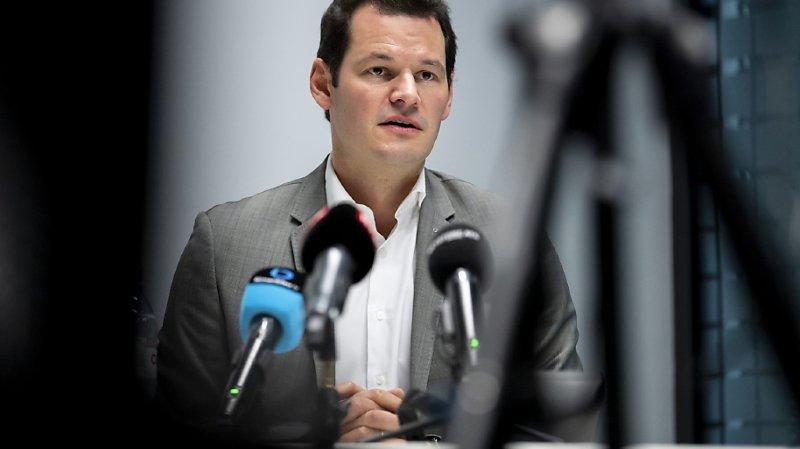 Le Tribunal de police jugera Pierre Maudet et quatre autres personnes. Le Ministère public a annoncé lui avoir adressé mardi un acte d'accusation dirigé contre le conseiller d'Etat, son ex-chef de cabinet, deux entrepreneurs et un fonctionnaire (archives).
