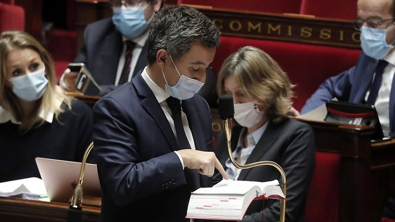 L'Assemblée nationale française a voté une mesure controversée qui limite la diffusion d'images de policiers en opération.