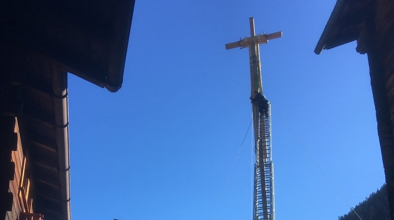 Grimentz: là-haut l'est une nouvelle croix