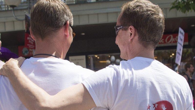 Union civile des homosexuels: la polémique sur les propos du pape touche-t-elle le Valais?