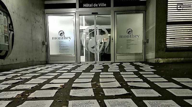 Les dénonciations anonymes ont été affichées jusque devant l'Hôtel de Ville.