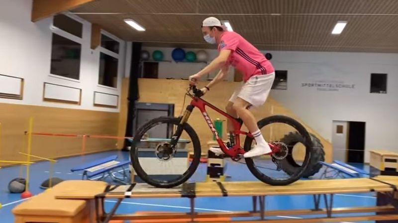 Le skieur freestyle suisse Andri Ragettli crée (encore ) le buzz avec sa dernière vidéo