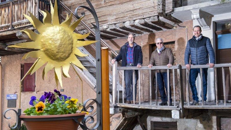 Sierre: les habitants de Tservetta mettent la main au porte-monnaie pour décorer leur quartier