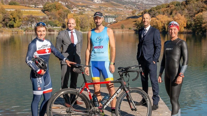 Le comité de Valais Wallis Triathlon: Joanna Ryter, Nicolas Debons, Thomas Zenklusen, Eric Werfeli et Karin Petherbridge.