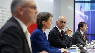 Coronavirus: port du masque étendu, restrictions pour les restaurants, tests rapides... les mesures prises par le Conseil fédéral