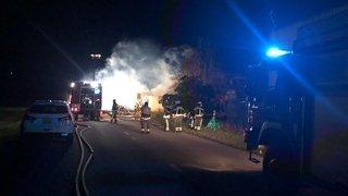 Un incendie et une explosion près de l'aéroport de Sion