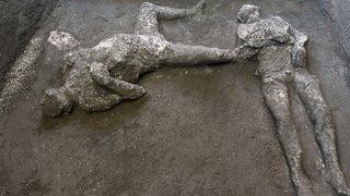 Archéologie: émouvante découverte de deux victimes de l'éruption de 79 à Pompéi