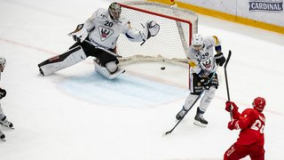 Hockey sur glace: Lausanne gifle Fribourg grâce à un Malgin tonique
