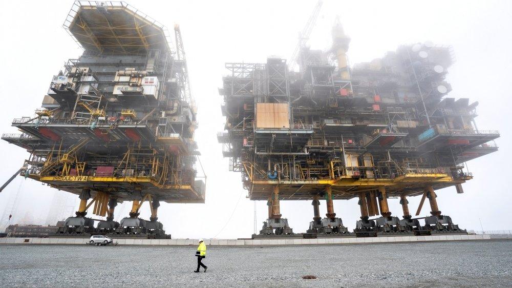 Le travail de recyclage des plates-formes pétrolières de Tyra, ici au port de Frederikshavn, sera le plus grand projet de recyclage offshore de l'histoire du Danemark.