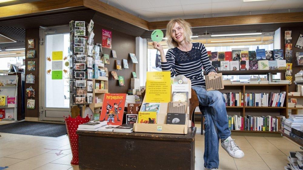 Nathalie Romanens, libraire responsable de la bibliothèque sonore, est prête à réceptionner les disques des artistes intéressés par la démarche.