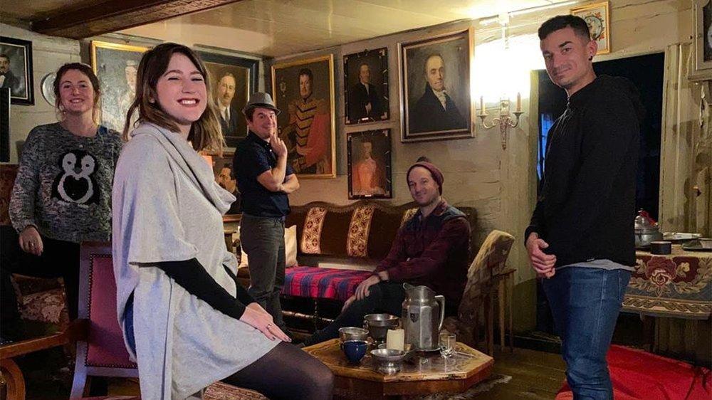 Sophie de Quay et ses invités lors de leur résidence à Loèche-les-Bains.