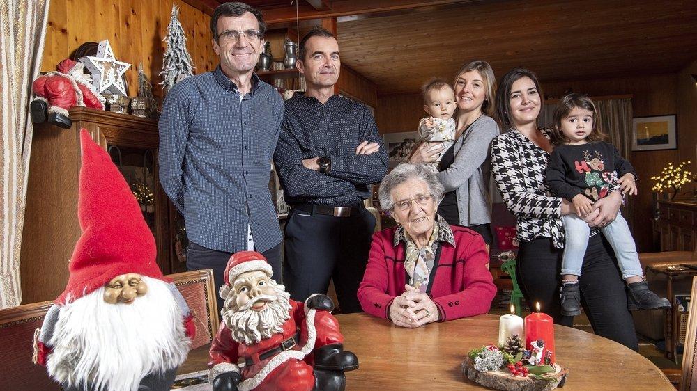 Habituellement, les Sauthier, qui sont une quarantaine, louent une salle pour le 24 décembre. Cette année, la fête se fera en plusieurs petits comités.